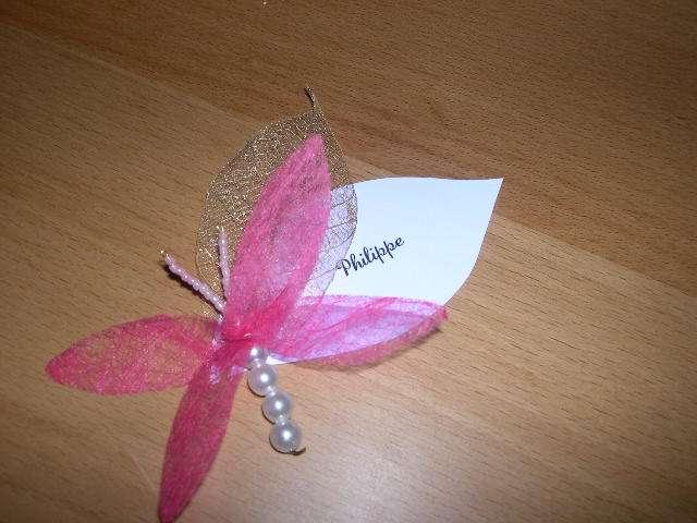 réalisation marque place  libellule loisirs créatifs feuille squeltte perles intissé