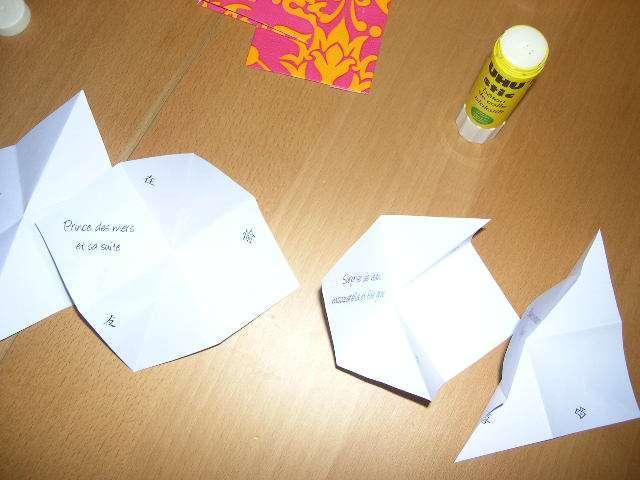 réalisation menu mariage accordéon thème asie  bricolage faire soi même scrapbooking pliage papier origami scrapbooking album