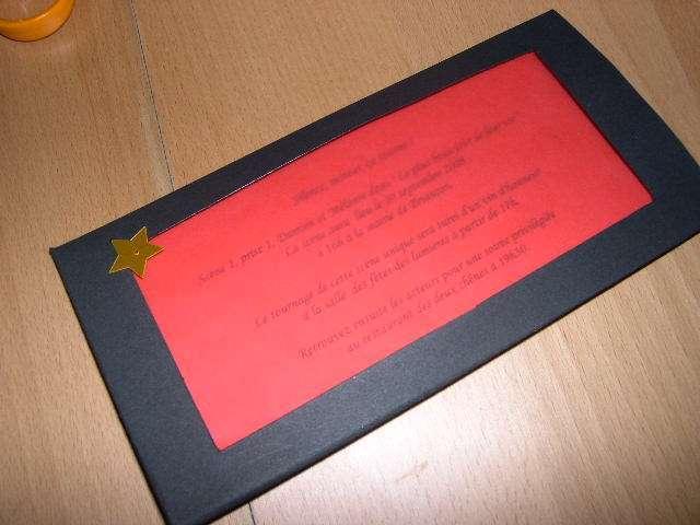 réalisation modèle exemple faire part invitation mariage thème cinéma loisirs créatifs bricolage faire soi même pochette pellicule film noir rouge papier calque paillettes étoile