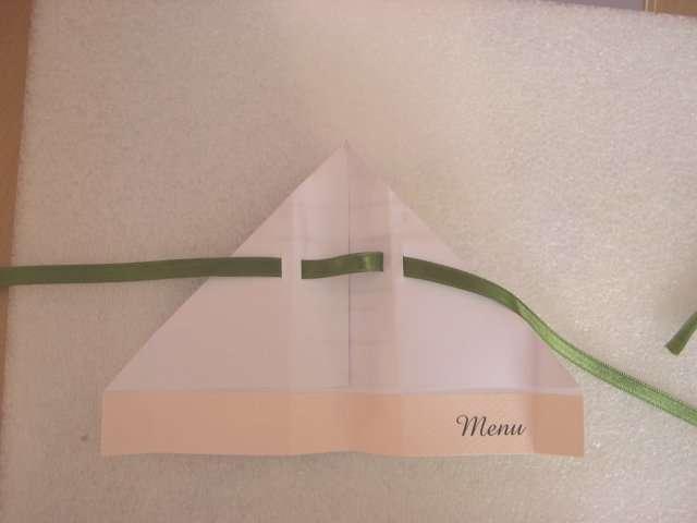 création   menu mariage avion en papier thème vent enfance explication