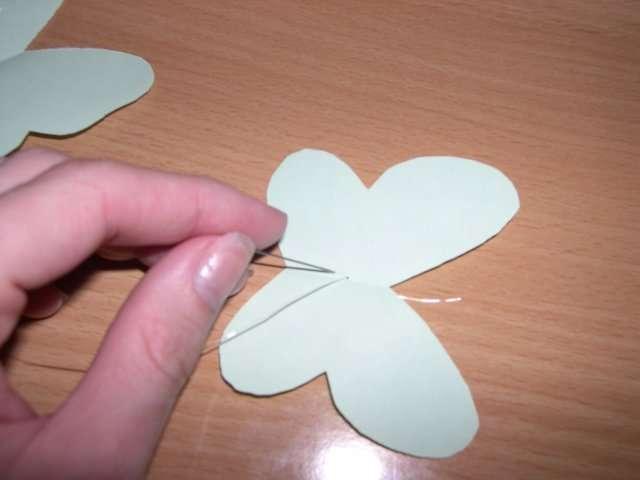 réalisation mobile de papillon en papier mode d'emploi