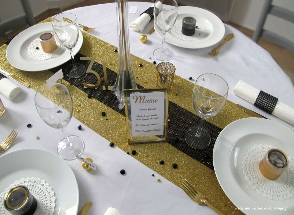 decoration de table nouvel an noir et or ruban strass