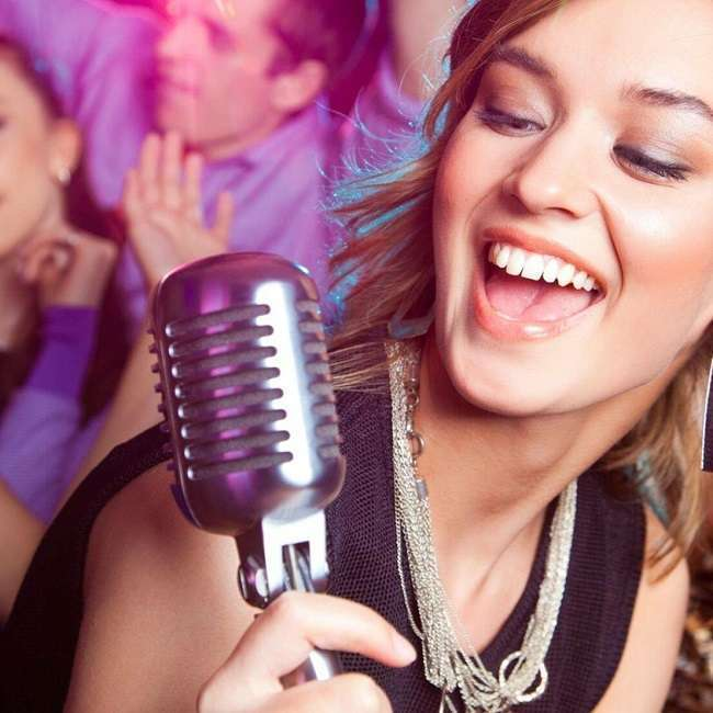 anniversaire adulte activité karaoke