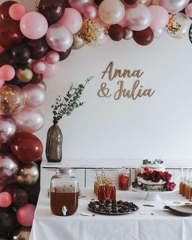 decoration salle ballons arche theme vin