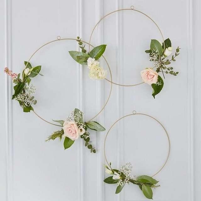 cerceu mariage a suspendre cercle fleuris decoration salle