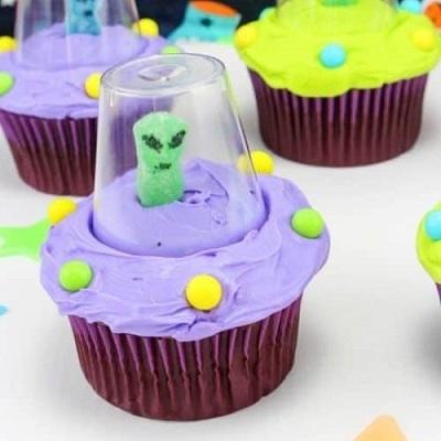 cupcake alien candy bar anniversaire astronaute