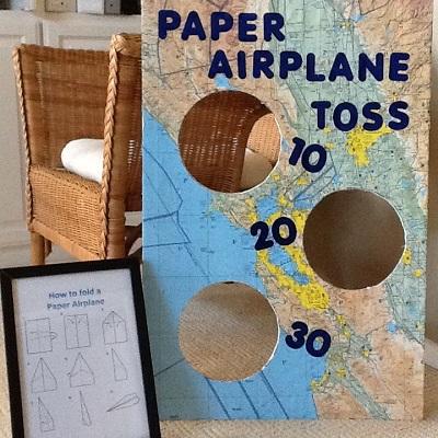 aniamtion anniversaire aviateur jeu adresse tir avion en papier