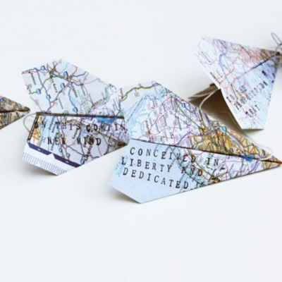 guirlande d'avion en papier mappemonde