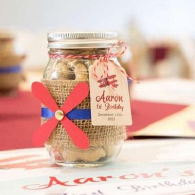 bocal mason jar a bonbons cadeau invités anniversaire aviateur