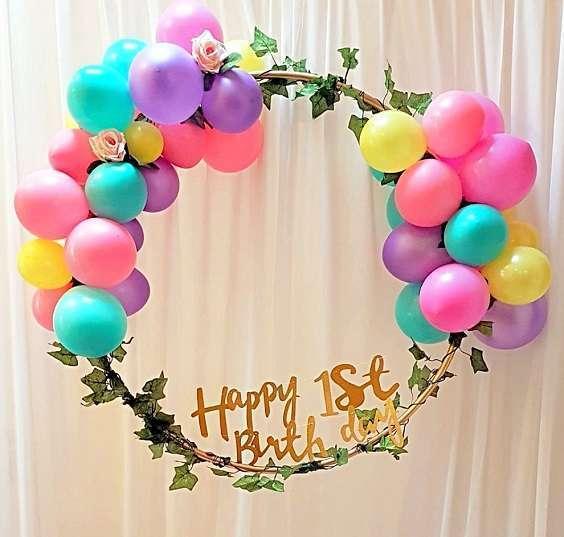 arche de ballons cerceau decoration salle
