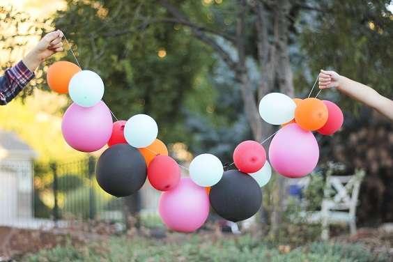 guirlande de ballons decoration salle mariage