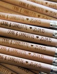 crayon bois personnalisé mariage