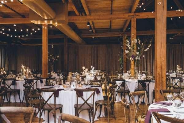 decoration mariage champetre poutre grange bois