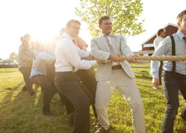 jeu-mariage-exterieur-tir-a-la-corde
