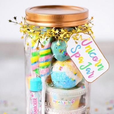 mason jar bonbons cadeau invités anniversaire licorne