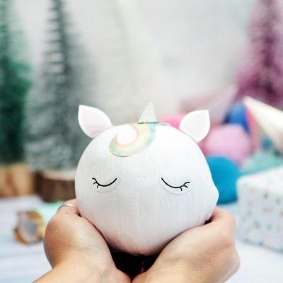 boule surprise cadeau invite enfant anniversaire licorne