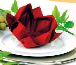 decoration mariage thème asie zen pliage serviette fleur de lotus