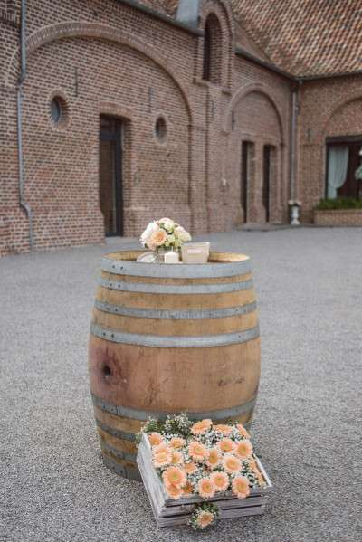 decoration_mariage_rustique_retro coin fumeur tonneau